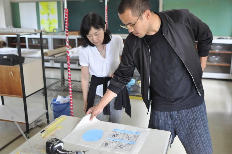 Eriko Ishikawa touring the Print Studio
